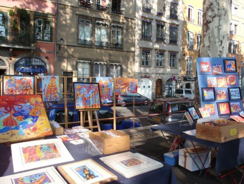 Tempat Membeli Seni Terjangkau di Paris